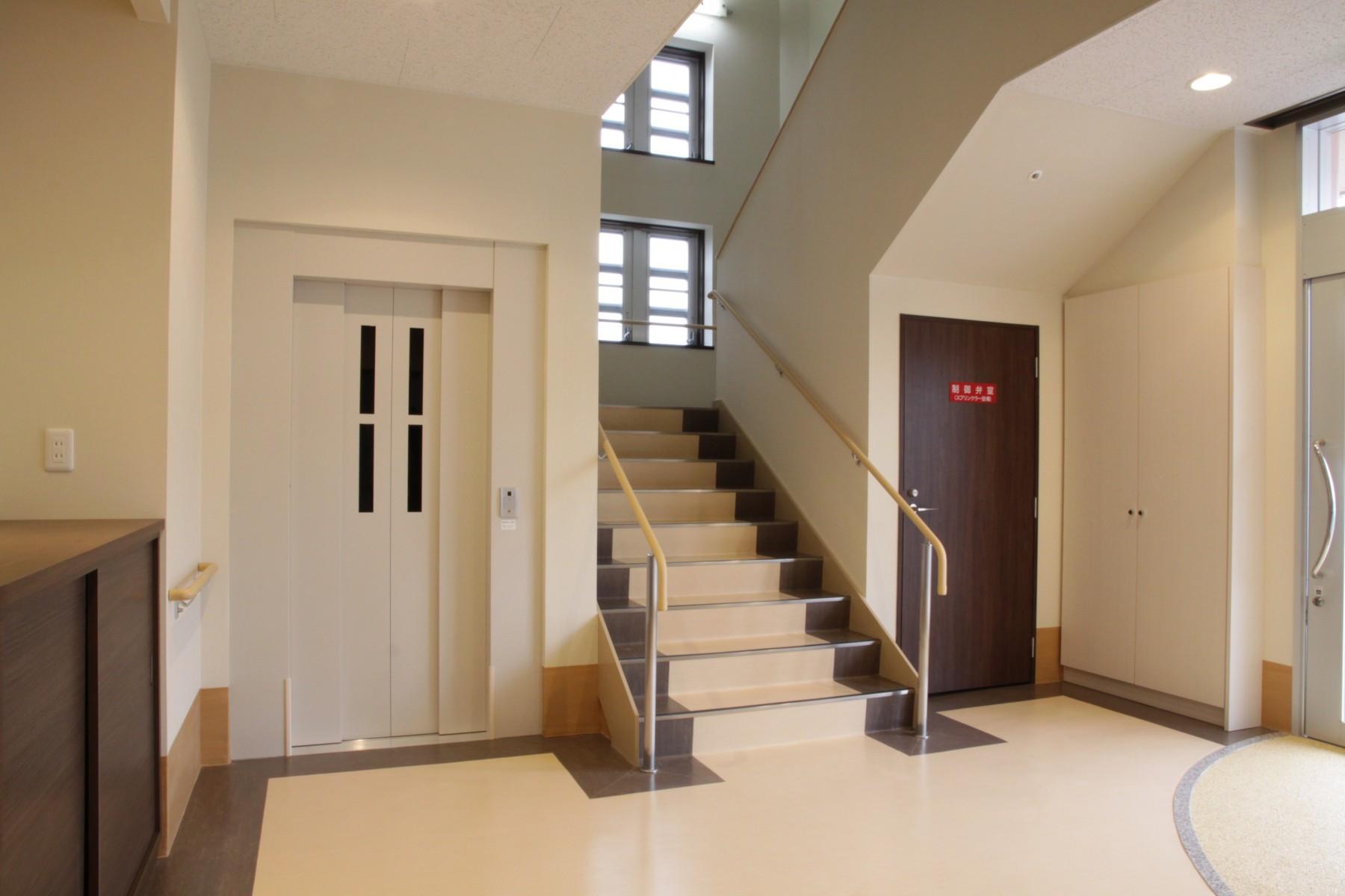 007-1F-玄関ホール