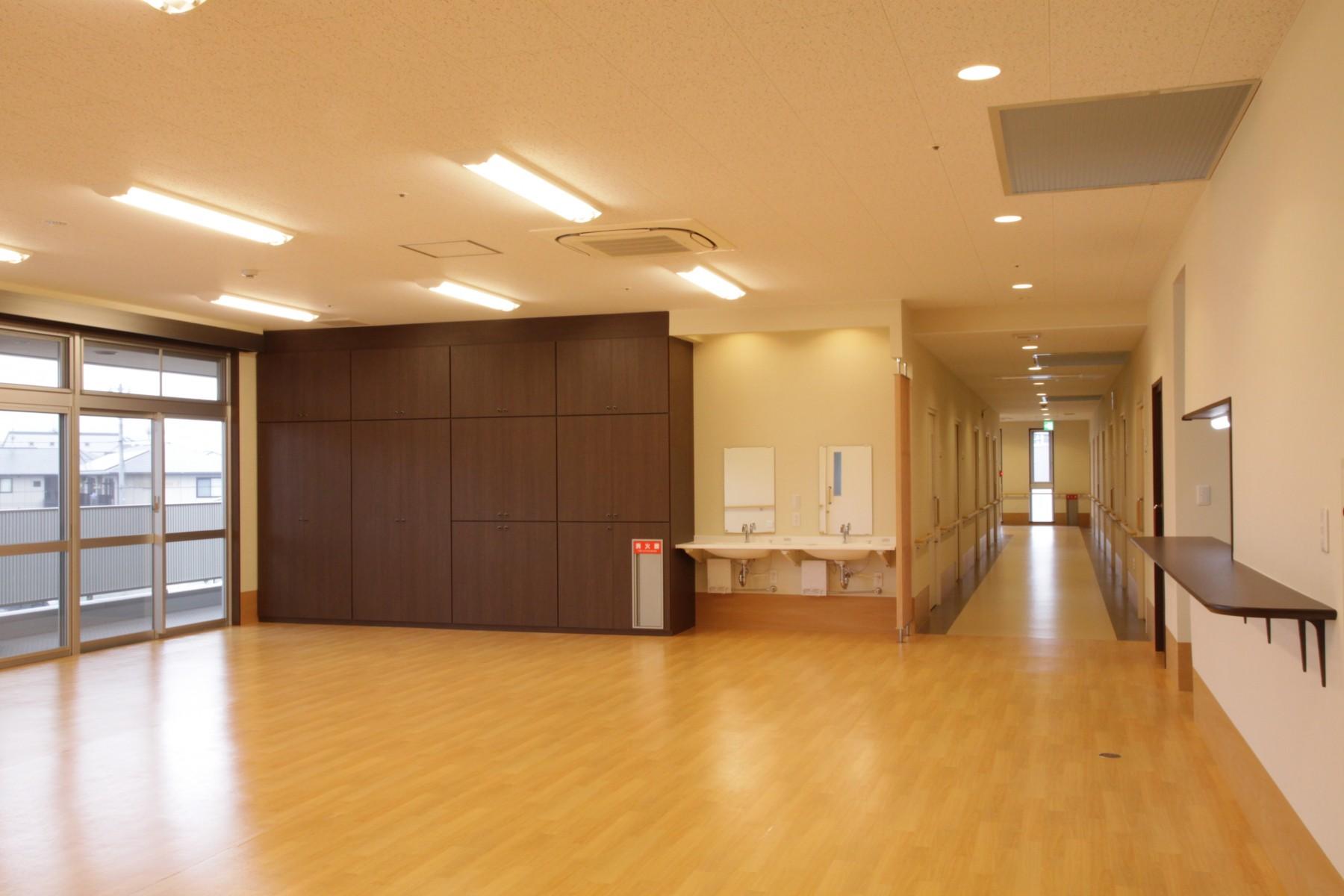 030-2F-居間・食堂